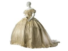 Wedding dress with two bodices