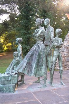 GREAT HUNGER MEMORIAL, Westchester, New York, was unveiled on June 24, 2001, at V.E. Macy Park in Ardsley to commemorate the suffering of millions of Irish peasants who died from the potato famine or were forced to leave their country. The monument's sculptor was Eamonn O'Doherty of Ireland.