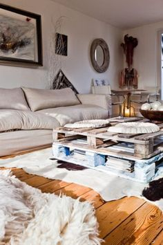 Who doesn't love cosy looking living areas…I am always spending way too much time pinning lounge areas that are inviting and gorgeous so I thought I would share our Top 10 with you! I hope this makes you want to grab a big…well massive…bowl of icecream on the couch and watch a rad movie! [...]
