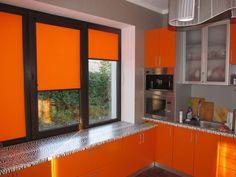 Рулонные шторы. Прекрасной альтернативой громоздким портьерам стали рулонные шторы, имеющие ряд достоинств, которыми традиционное оформление для окон не обладает. Далее: http://nikoss.com.ua/rulonnye-shtory-na-plastikovye-okna.html