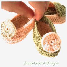 Annoo's Crochet World: Sassy Newborn baby Shoes