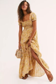 Sweet and special midi dress featured in a gorgeous floral fabrication with ruched bust and puff sleeves in a tiered, shapeless silhouette. 15 Dresses, Spring Dresses, Casual Dresses, Party Dresses, Fashion Dresses, Boho Dress, Dress Up, Vestido Maxi Floral, Free People Dress