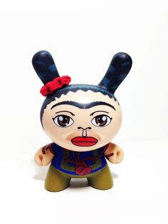 Frida Kahlo Dunny Azteca II   Serie  2011 Anyone interested in selling me theirs?