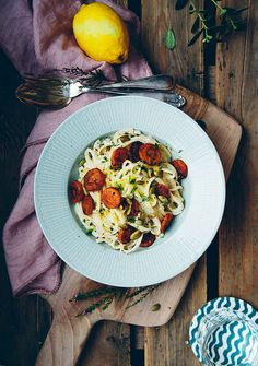Kermapasta ja chorizo-porkkanat