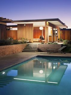 The Bond House's Guest House - 1960 by Richard Neutra - San Diego