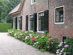Dutch Gardens, Farm Gardens, Outdoor Gardens, Garden Cottage, Cottage Homes, Cottage Style, Window Shutters Exterior, Garden Architecture, Garden Styles