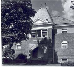 Hood building, Alma College: Archival photographs.