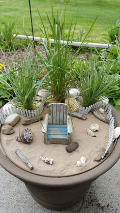 """Beach fairy garden. I wonder if this would help me to """"envision"""" my beach house... #minigardens"""