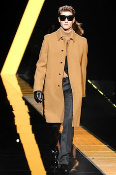 Versace | Fall 2007 Menswear Collection | Style.com