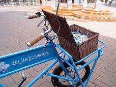 Bitte aufsteigen! Wir sind bereit für die Sweet on Streets Tour von Bahlsen! // Hop on! We're ready for Bahlsen's Sweet on Streets Tour! #Cookies #LifeIsSweet #Bahlsen #SweetOnStreets