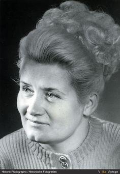 Frauenporträt, Berlin 1955