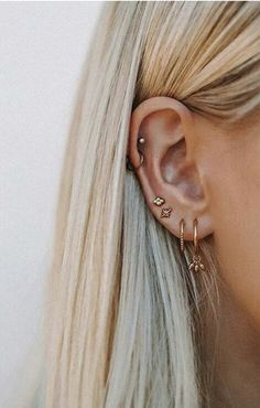 I would love to get another ear piercing – Thunder . I would love to get another ear piercing I would love to get another ear piercing Piercing Snug, Piercing Tragus, Ear Peircings, Cute Ear Piercings, Piercing Tattoo, Piercing Chart, Mens Piercings, Multiple Ear Piercings, Piercings On Ear