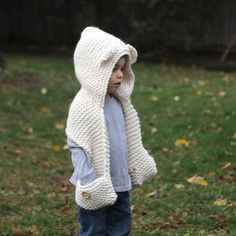 The Graham Scarf pattern by Jenny Nicole Welcome to Style Me Cozy! All of my patterns are designed to be simple to knit, cozy to wear, and timeless in style. Knitting For Kids, Baby Knitting, Crochet Baby, Knit Crochet, Ravelry Crochet, Crochet Style, Crochet Hooded Scarf, Crochet Scarves, Crochet Headbands