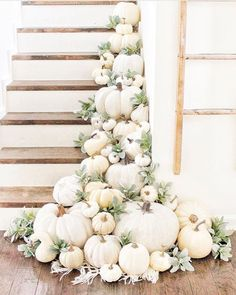 Modern Fall Decorations - Forget the traditional fall colors, and instead go with off white and sage green. This pumpkin deco - Fall Wedding Decorations, Thanksgiving Decorations, Seasonal Decor, Autumn Decorations, Thanksgiving Games, Happy Thanksgiving, Painted Ladies, Fall Home Decor, Autumn Home