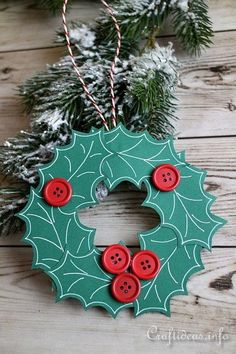 Paper Crafts and Craft ideas for Christmas - Miniature Paper Wreath Ornament.