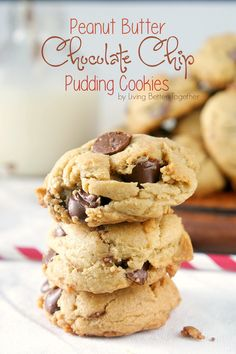 Peanut Butter Chocolate Chip Pudding Cookies | Living Better Together @fickrj5