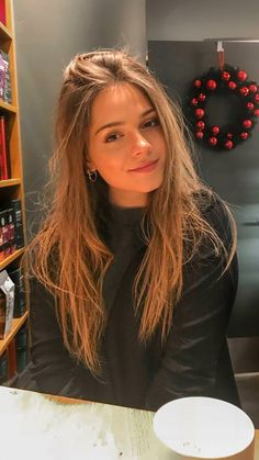Jessy Hartel The Effective Pictures We Offer You About selfie ideas poses A quality picture can tell you many things. You can find the most beautiful pictures that can be presented to you about selfie in this account. Girls Selfies, Pretty Girl Selfies, Hot Selfies, Pretty Girls, Selfie Poses, Selfie Sexy, Fake Girls, Girl Inspiration, Brunette Girl