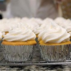 Vanilla Frosting Recipe - 2 cups confectioners' sugar 2 tablespoons butter, softened 2 tablespoons milk 1/2 teaspoon vanilla extract