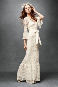 love this hippie wedding gown Modern Vintage Weddings, Vintage Inspired Wedding Dresses, Used Wedding Dresses, Vintage Dresses, 1970s Wedding, 1970s Dresses, Wedding Vintage, Dresses Uk, Rustic Dresses