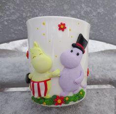 Кружки и чашки ручной работы. Ярмарка Мастеров - ручная работа. Купить Кружка Мумми-тролль  с декором из полимерной глины. Handmade.