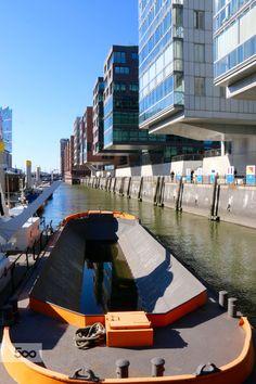 Canal im Hafencity by liborio pepi #hafencity #hamburg