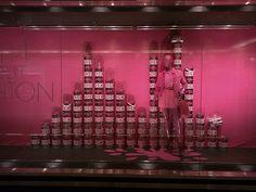Resultado de imagem para vitrine pink