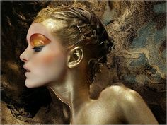 beautiful-girl-bath-of-gold-paint-iain-crwaford-photography