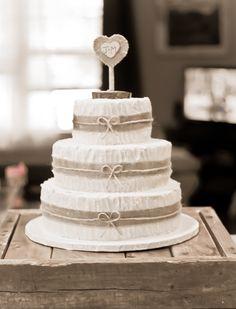 Rustic Burlap Wedding Cake Red