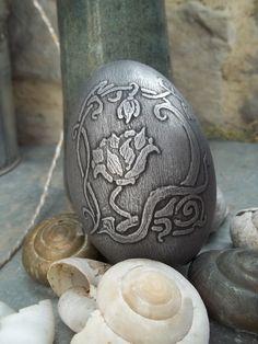 Acid etched goose eggshell