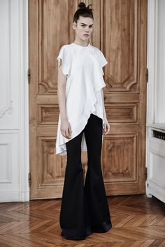 Ellery Fall 2015 Ready-to-Wear - Collection - Gallery - Style.com  Ellery is designed by Kym Ellery. Note the one earring!  http://www.style.com/slideshows/fashion-shows/fall-2015-ready-to-wear/ellery/collection/10