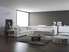 Σαλόνι Favori Εντυπωσιακός γωνιακός καναπές από λευκό δέρμα με διάσταση 3,30*3,30*1,05 βάθος, με δύο μπράτσα σε κάθε τελείωμα με μπουτονέ τεχνοτροπία στο κάθισμα και μηχανισμούς ανάκλησης στην πλάτη για περισσότερη χαλάρωση. http://www.epiplagand.gr/salonia/favori-max/
