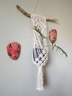 Items similar to Macrame Plant Hanger with Natural Driftwood for Medium Pot on Etsy Macrame Design, Macrame Art, Macrame Projects, Macrame Knots, Macreme Plant Hanger, Free Macrame Patterns, Weaving Wall Hanging, Macrame Plant Holder, Macrame Tutorial