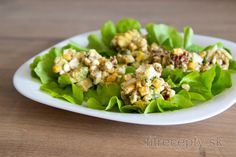 Try the best recipe for a healthy avocado egg salad that is full of protein, vitamins and minerals. It's one of my most favorite fit recipes at all. Easy Salads, Healthy Salads, Healthy Fats, Low Carb Recipes, Cooking Recipes, Healthy Recipes, Making Hard Boiled Eggs, Avocado Egg Salad, Good Food