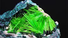 Uranium-containing cuprosklodowskite