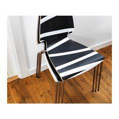 VILMAR Sedia IKEA La sedia è resistente e facile da pulire grazie alla superficie rivestita di melammina.