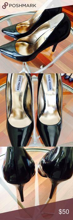 STEVE MADDEN BLK PATENT LEATHER PUMPS STEVE MADDEN SLEEK AND STYLISH BLACK PATENT LEATHER PUMPS! Steve Madden Shoes Heels
