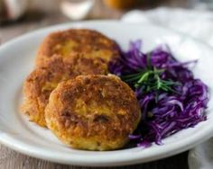 Tofu and Chickpea Patty Recipe (Cutlets) - I love to place these patties into buns, smear some garlic chutney and serve it hot. Perfect one dish weeknight dinners Chickpea Cakes, Chickpea Patties, Chicken Cutlet Recipes, Cutlets Recipes, Recipe Chicken, Vegetarian Breakfast, Sausage Breakfast, Vegetable Recipes, Vegetarian Recipes