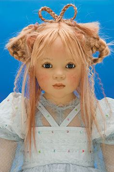 I wish I had this one!  http://www.dollery.com/images/2006%20Images/Himstedtdolls/him-06-liniki-bu.jpg