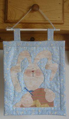 bunnyhanging/retirado da net