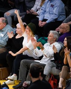 Pin for Later: Kaley Cuoco Has the Cutest Father-Daughter Date at the LA Lakers Game