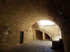 Hospice Sainte Catherine à Rhodes - source d'inspiration pour le manoir d'Ornan, le père adoptif d'Orlanne