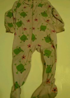 Girl carter's footed flame resistant onezie frogs and flower 18m
