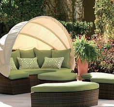 Outdoor Wicker Sofa - Choosing the Right Type of Outside Furniture