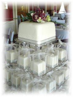 beautiful baking Mini wedding cakes