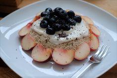 Rezept für einen veganen Kuchen aus Bohnen. Sehr lecker und schnell, in 5 Minuten gebacken! Ganz einfach in der Mikrowelle..