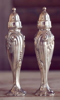 Silver Salt and Pepper Shakers Tarnished Silver, Sterling Silver, Vintage Silver, Antique Silver, Salt And Pepper Set, Silver Spoons, Salt Pepper Shakers, Fine China, Pewter