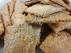 Almond Crisps ♥✿´¯`*•.¸¸✿SHARE TO SAVE TO YOUR TIMELINE✿´¯`*•.¸¸✿♥ Made these the other night and OMG if you like wheat thins they remind me of them! Its a sturdy cracker so you can dip in hummus or just eat plain. Almond Crisps 3/4 cup ground almonds 1 egg white Pinch of garlic, salt and onion  ▶Mix together ▶Spray parchment paper ▶Put mixture down ▶Spray another piece of parchment paper and place on top ▶Roll to 1/8 inch thickness ▶Take top parchment off ▶Using a pizza wheel or knife…