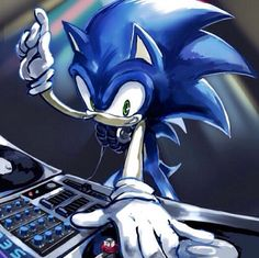 Sonic Being a DJ!