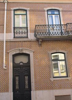 Rua da Junqueira - Lisboa \\ 1
