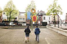 Het Gentse stadsbestuur lanceert een actieplan dat de stad aantrekkelijker moet maken voor kinderen, jongeren en jonge gezinnen. Het bevat vijftien speerpu...